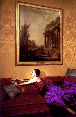 The change she found in her friends' sofas financed many of her gowns.