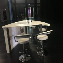 Desk TRIKA