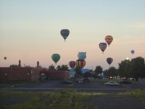 hotairballoons.jpg