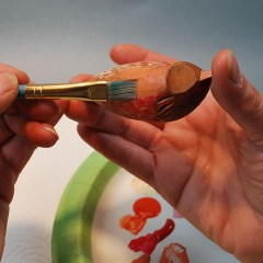 Working with oil stains in your wood carvings