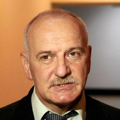 dr Tomasz Komendziński