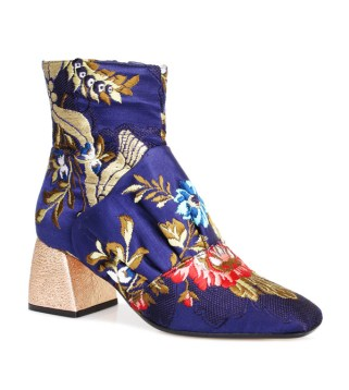 Beau-Coops-Romance-Was-Born-Resort-2017-Collection-Accessories-Shoes-Fashion-Tom-Lorenzo-Site-7