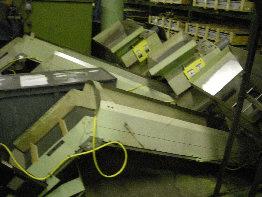 "Conveyor 1/6 Hp, 115 V, 1 ph  Vibrator 1/3 hp, 208-230/460, 3 ph  18"" Belt, 2"" Paddle, 12"" apart  Hopper Overall 2' x 3' Hopper opening 16"" x 20""  approx. 6' height"