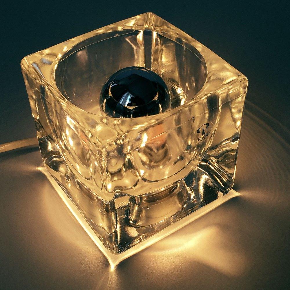 Paire de lampe icecube par Peill & Putzler germany. En vente chez ltgmoood luminaires vintage à paris.