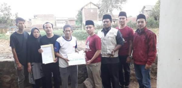 Penyaluran Santunan untuk Keluarga Penyelenggara Pemilu yang Gugur dalam Bertugas