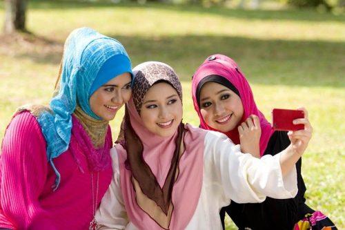 Dialektika Jilbab dan Aurat Perempuan