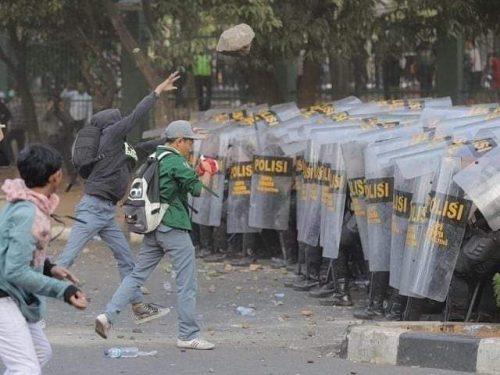 Demonstrasi : Solusi atau Provokasi ?