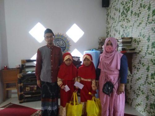 Pengurus MWC Cisarua Giat Santuni Yatim di Bulan Ramadhan