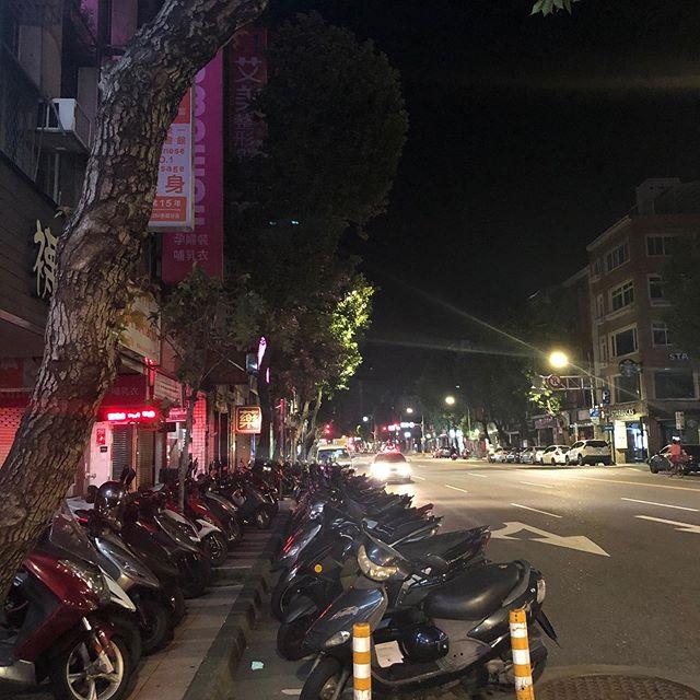 台北・深夜の景色