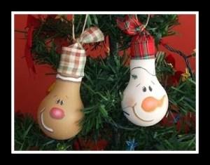 decoracao-de-natal-com-lampadas-usadas
