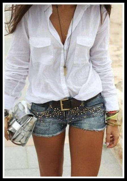 blusa branca com short jeans - ROUPAS PARA A VIRADA DO ANO