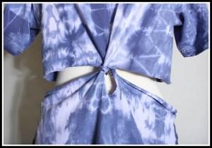 blusa pintada4 300x210 - FAÇA VOCÊ MESMA UMA TRANSFORMAÇÃO EM SUAS ROUPAS