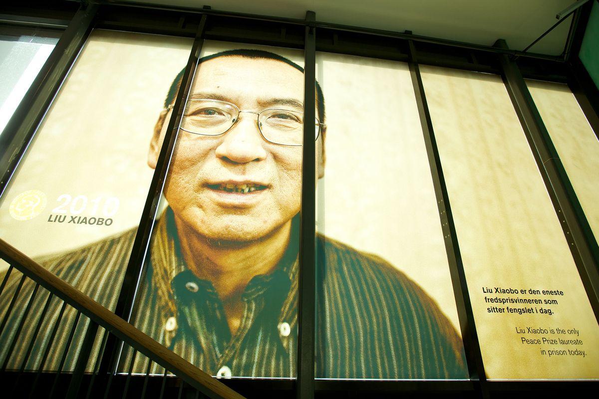 https://i0.wp.com/luatkhoa.org/wp-content/uploads/2017/07/Liuxiaobo-Nobel-laureate-in-jail.jpg