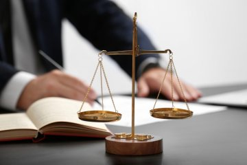 Luật sư giỏi bào chữa về tội đánh cờ bạc trái phép bằng hình thức qua mạng, trực tuyến, online, thẻ cào