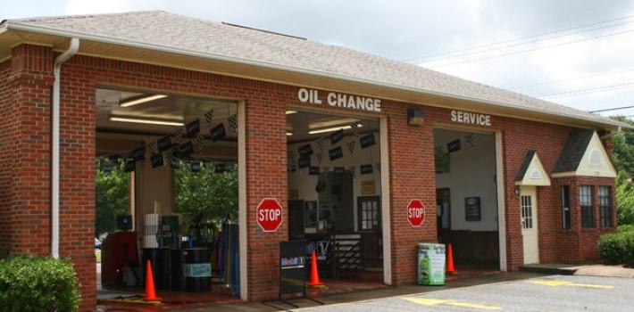 oil-change-opelika-al_802_01-710x350
