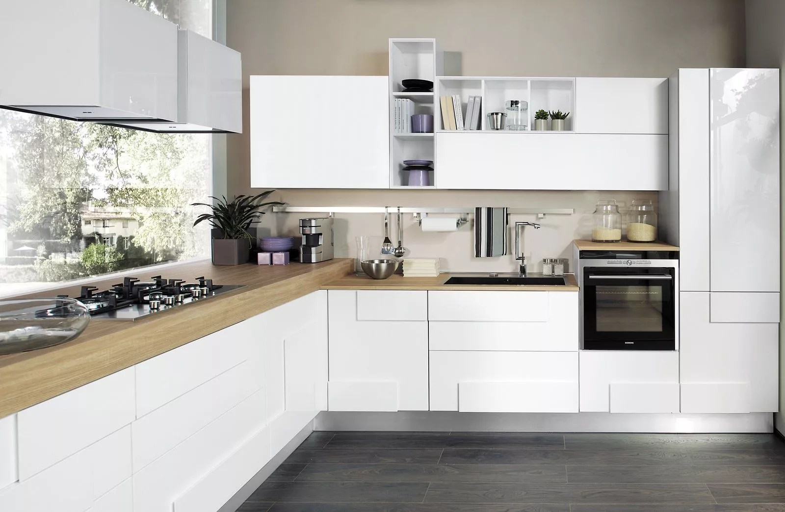 Cucina bianca 5 soluzioni per arredare proposti da Lube