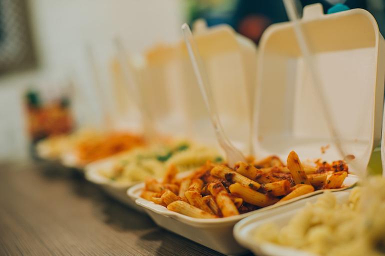 fast food ID 105718366 © Guruxox | Dreamstime.com