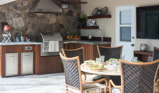 Lucas Lagoons Custom outdoor kitchen