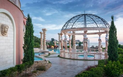 Roman-Swimming-Pool-Statues-Port-Ritchey-web-4074