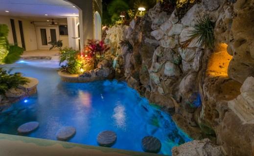 Lucas-Lagoons-Insane-Pools-Under-The-Sea-9131