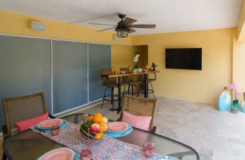 Dining-outdoor-tv-custom-Swimming-Pools-Custom-pool-builder-4994