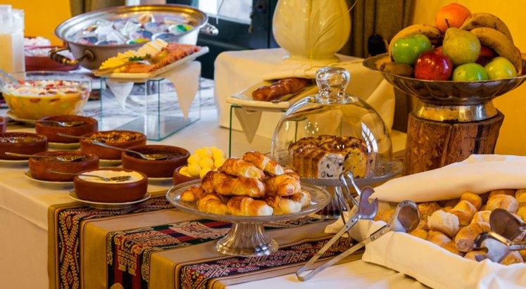 Desayuno en patios de Cafayate