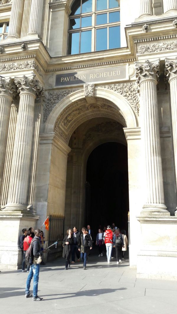 #thursdaydoors Louvre Museum In #paris Rereading