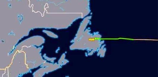 Realiza escala aeronave que traslada a Lozoya