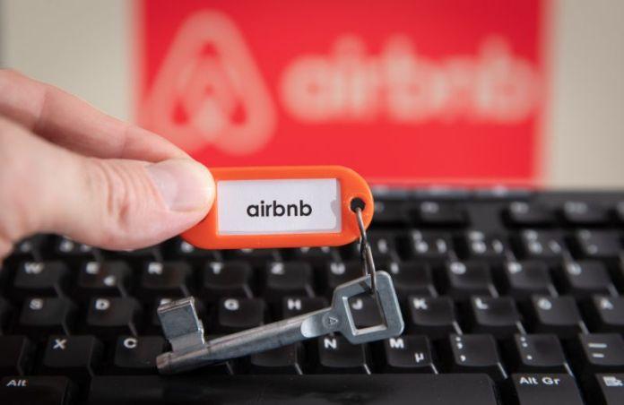 Rechaza juez suspender impuestos a Airbnb