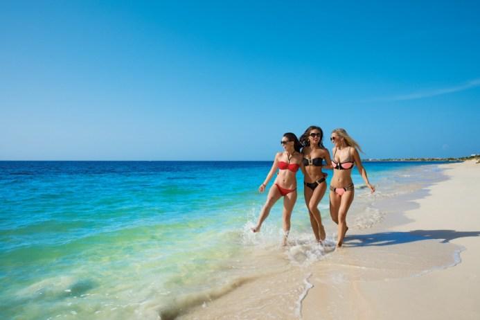 Quienes pagan una estancia en la Zona Hotelera son los únicos que tienen acceso a las playas de Cancún.