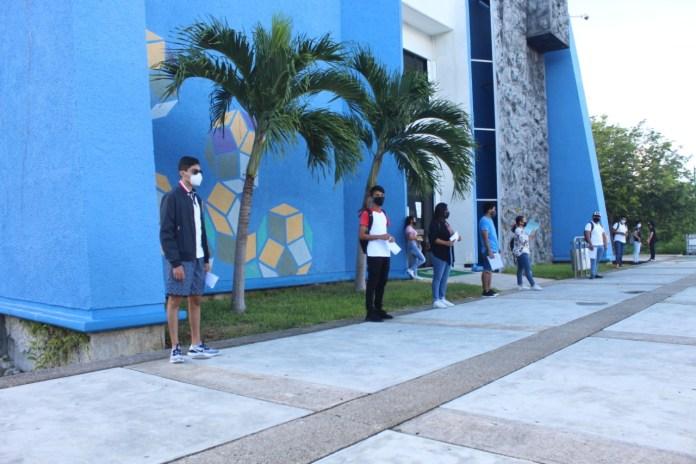 Realiza Universidad Tecnológica de Cancún examen de admisión
