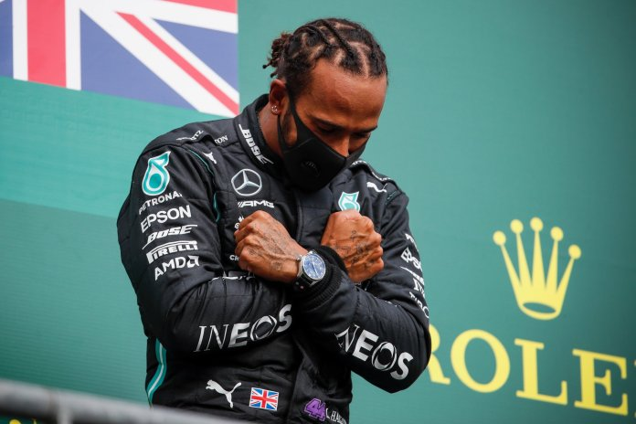 Sigue Hamilton en la cima; Checo Pérez toca fondo