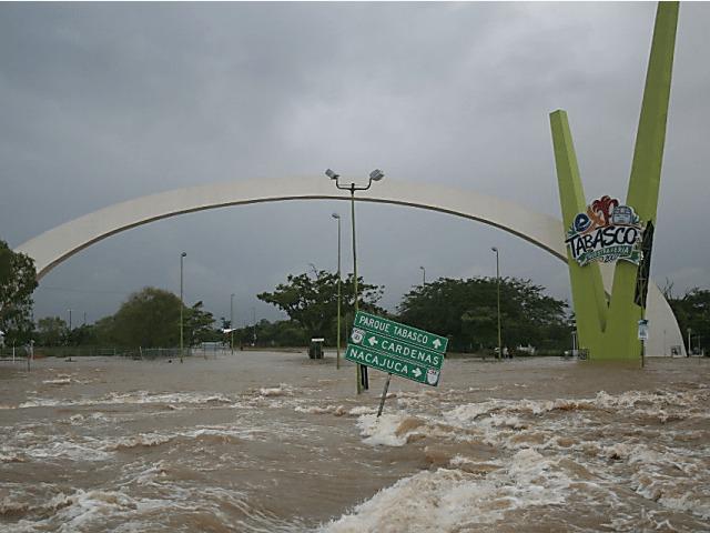 Quintana Roo amenazado por inundaciones