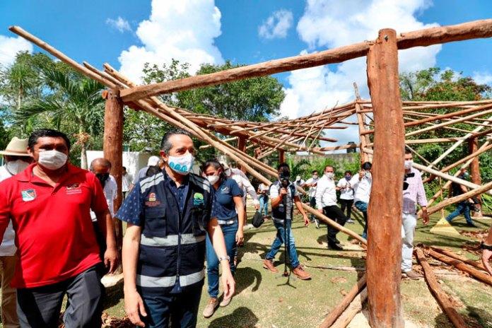 Verifica gobernador labor de brigadistas en Puerto Morelos