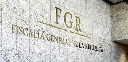 Emplazan a FGR por 'Estafa Maestra'