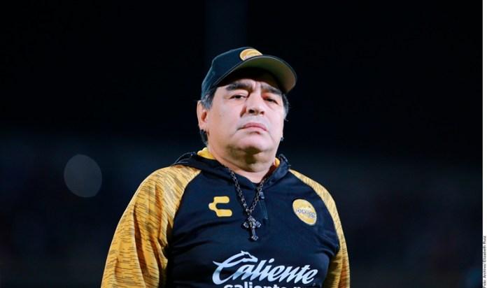 Internan a Diego Maradona