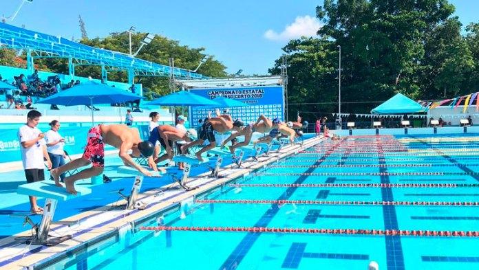 Domina natación en Premio Estatal del Deporte