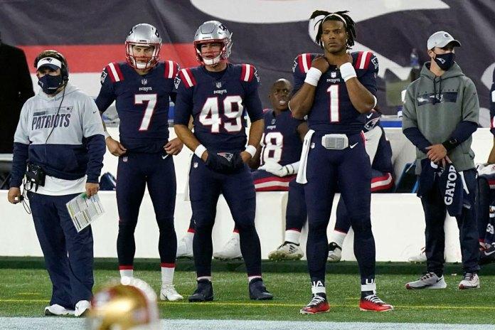 Jugadores de NFL obligados a usar cubrebocas en la banca