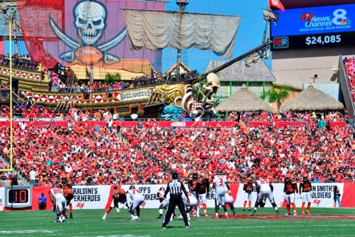 NFL evalúa admitir más público para el Super Bowl