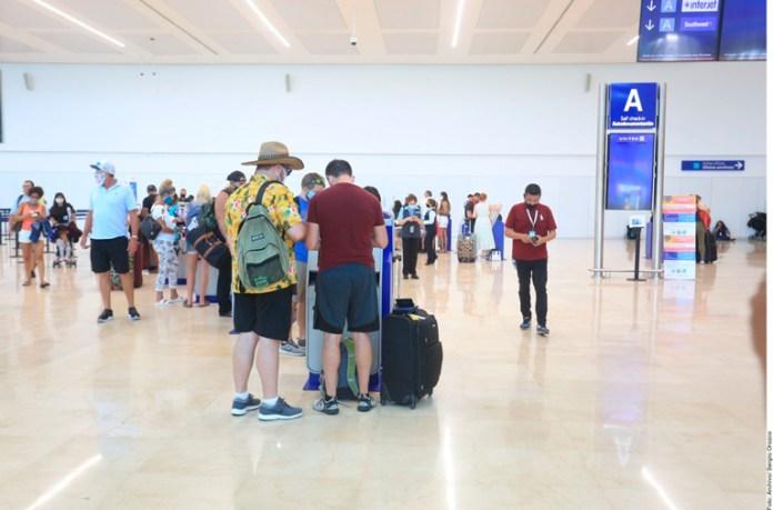 Buscan aplicar pruebas Covid en aeropuerto de Cancún y otras ciudades