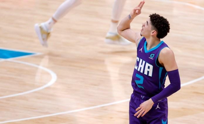 Sorprende novato LaMelo Ball con marca histórica en NBA