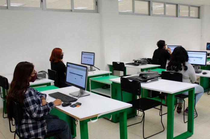 Aplican examen 98% de aspirantes a la UT Cancún