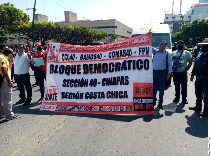 Exige CNTE cumplir acuerdos; protestan