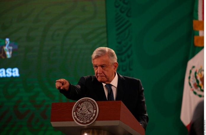 Acusa AMLO a INE de golpe de Estado