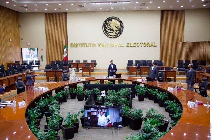 Piden organizaciones frenar ataques al INE