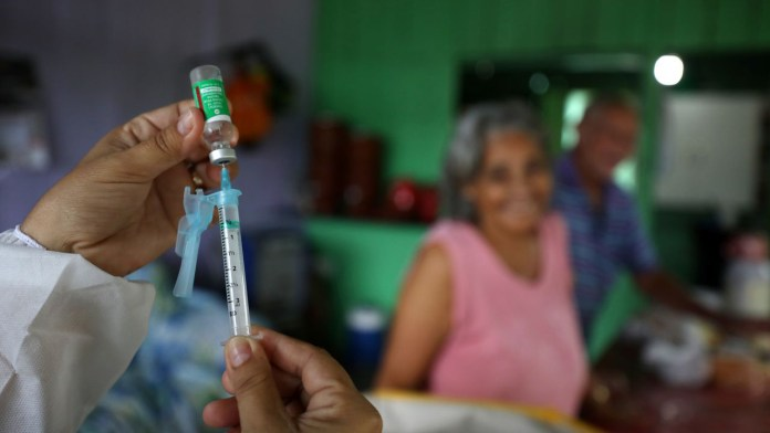 Urge OMS acelerar acceso a la vacuna