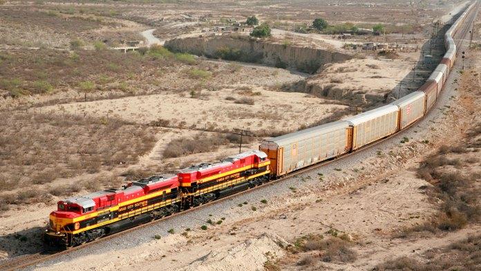 Detienen la reforma de sector ferroviario