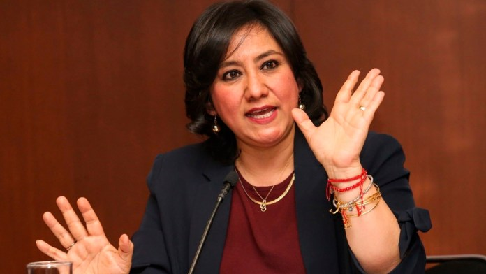 Se va Irma Eréndira Sandoval de SFP con polémica