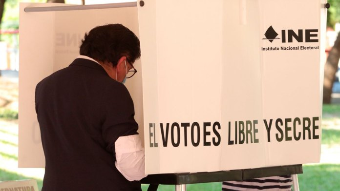 Alternan partidos políticos en urbes