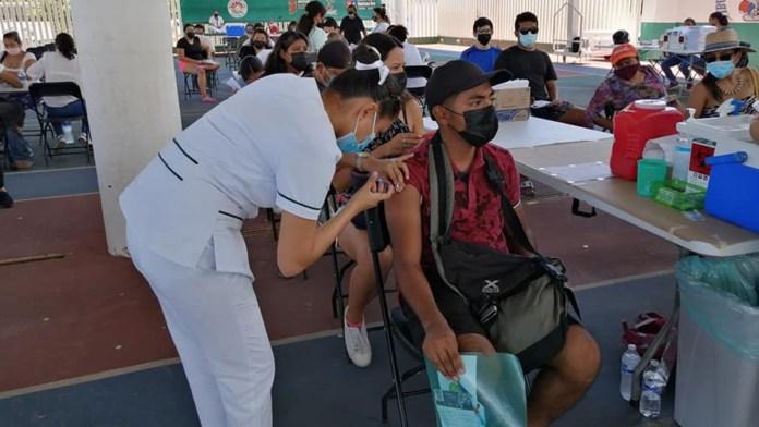 Vacunación no baja ritmo en Quintana Roo